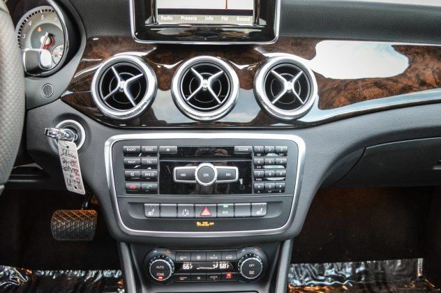 2014 Mercedes Benz CLA250-14