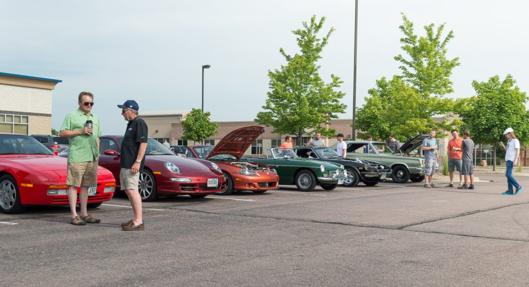 Cars & Coffee of Siouxland - June 2016-8